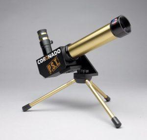 Coronado PST. Personal Solar Telescope,  por si no lo habían deducido.